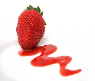 Забавете времето с... ягоди